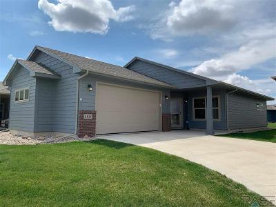 Single Family Home For Sale: 5105 E 61st St
