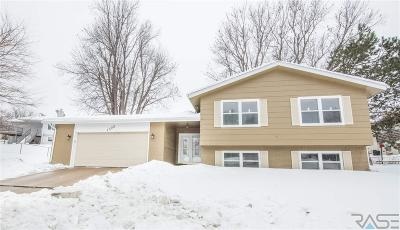 Sioux Falls Single Family Home Active - Contingent Misc: 1505 E Otonka Trl