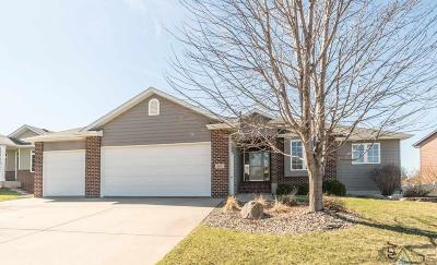 Sioux Falls Single Family Home For Sale: 805 W Sterling Oak Cir