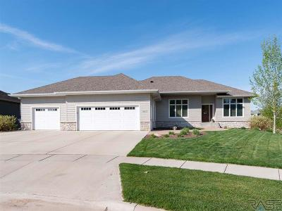 Sioux Falls Single Family Home For Sale: 1805 S Copper Crest Cir