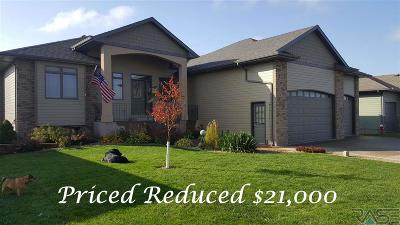 Sioux Falls Single Family Home Active-New: 7701 W Benelli Cir