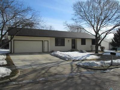 Sioux Falls Single Family Home Active - Contingent Misc: 5808 W Pebble Creek Rd