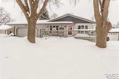 Hartford Single Family Home Active-New: 304 N Oaks Ave