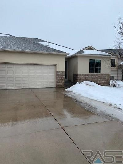 Sioux Falls Single Family Home Active-New: 7610 S Peregrine Pl