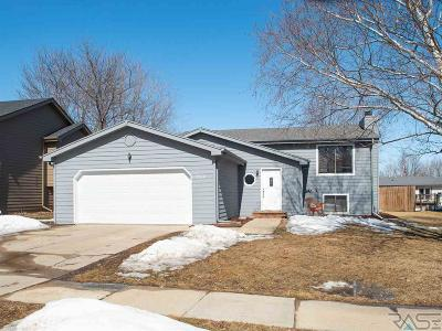 Sioux Falls Single Family Home Active - Contingent Misc: 5108 W Cottage Trl
