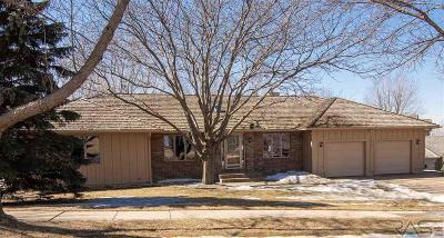 Sioux Falls Single Family Home For Sale: 4921 Sunflower Trl