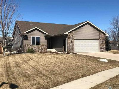 Sioux Falls Single Family Home For Sale: 708 W Sterling Oak Cir