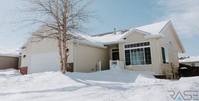 Sioux Falls Single Family Home For Sale: 5809 W Hemlock Dr