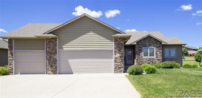 Single Family Home For Sale: 2405 S Silverthorne Ave