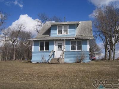 Madison Single Family Home For Sale: 434 S Harth Ave