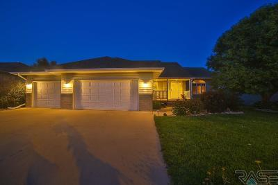 Single Family Home For Sale: 1708 S Deerberry Trl