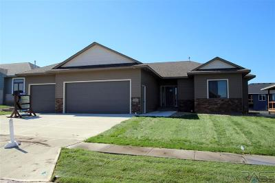 Sioux Falls Single Family Home For Sale: 5705 East Robin Oak Cir