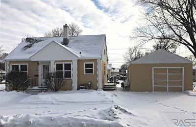 Sioux Falls Single Family Home For Sale: 1813 E Mulberry St
