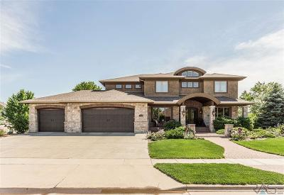 Sioux Falls Single Family Home For Sale: 7008 S Honors Dr