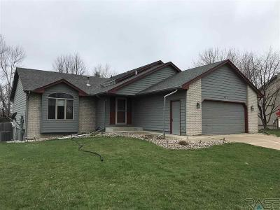 Sioux Falls Single Family Home Active - Contingent Misc: 424 N Linwood Ct