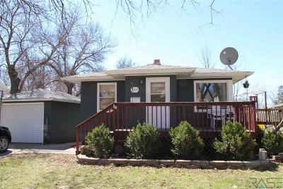 Dell Rapids Single Family Home For Sale: 207 E 8th St
