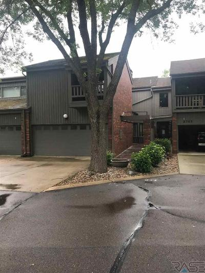 Sioux Falls Condo/Townhouse Active-New: 2705 S Ridgeview Way