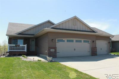 Sioux Falls Single Family Home Active - Contingent Home: 7605 W Wilson Dr