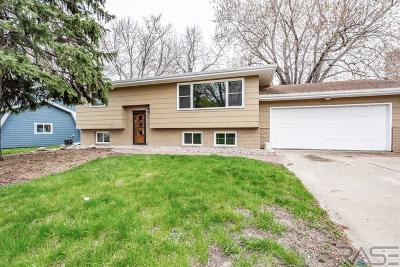 Single Family Home For Sale: 2901 S Stone Pl