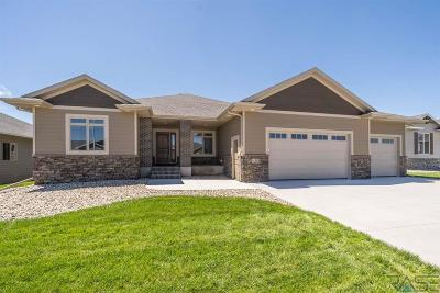 Sioux Falls Single Family Home For Sale: 4313 S Poppies Ave