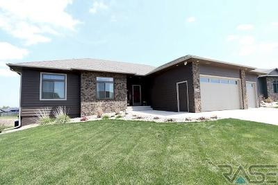 Sioux Falls Single Family Home For Sale: 1208 S Monticello Ct
