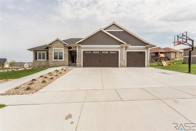 Sioux Falls Single Family Home For Sale: 7300 S Meredith Ave