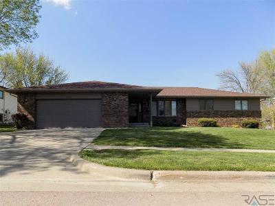 Sioux Falls Single Family Home For Sale: 6208 W Oscar Howe Cir