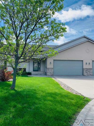 Single Family Home Active-New: 7616 S Peregrine Pl