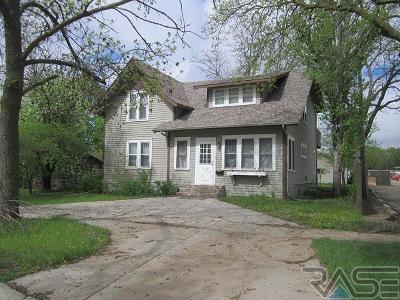 Madison Single Family Home For Sale: 211 N Josephine Ave