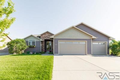 Garretson Single Family Home For Sale: 612 Sarah C St
