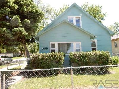 Sioux Falls Single Family Home For Sale: 832 N Sherman Ave