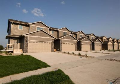 Sioux Falls Condo/Townhouse For Sale: 4203 N Knob Hill Ct