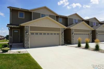 Sioux Falls Condo/Townhouse For Sale: 4211 N Knob Hill Ct