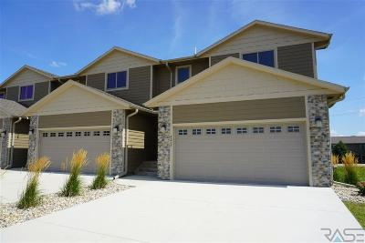 Sioux Falls Condo/Townhouse For Sale: 4217 N Knob Hill Ct