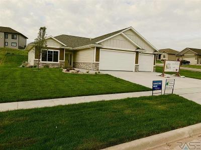 Brandon Single Family Home For Sale: 1637 W Burton Dr