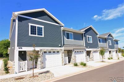 Sioux Falls Condo/Townhouse For Sale: 872 S Sycamore Ave #3