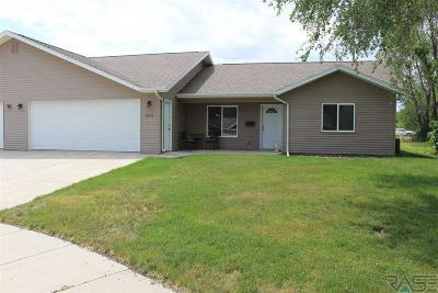Madison Single Family Home For Sale: 503 Silver Creek Cir