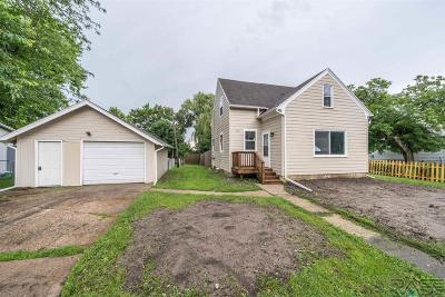 Canton Single Family Home For Sale: 115 W 3rd St