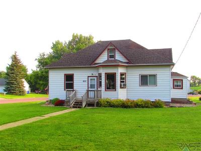 Garretson Single Family Home For Sale: 800 5th St