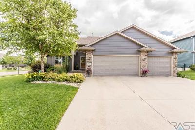 Sioux Falls Single Family Home For Sale: 1001 W Eagle Ridge Cir
