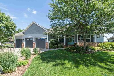 Single Family Home Active-New: 6500 S Jeffrey Ave