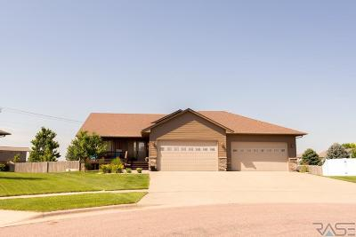 Sioux Falls Single Family Home For Sale: 7625 S Courtyard Cir
