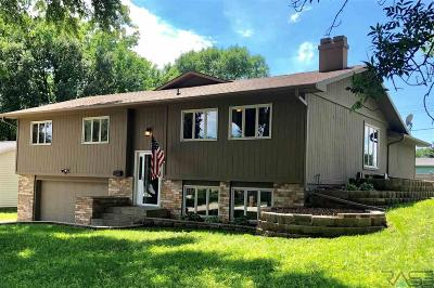 Madison Single Family Home For Sale: 837 N Maplewood Dr