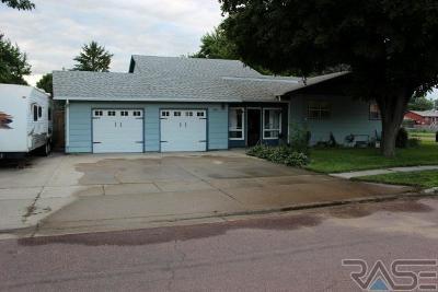 Tea Single Family Home For Sale: 300 W Maple St