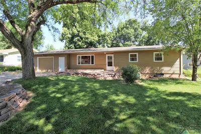 Brandon Single Family Home For Sale: 1112 E Beechnut St