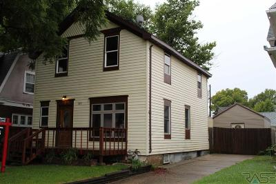 Single Family Home For Sale: 207 S Summit Ave