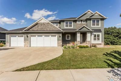 Sioux Falls Single Family Home For Sale: 704 S Scarlet Oak Trl