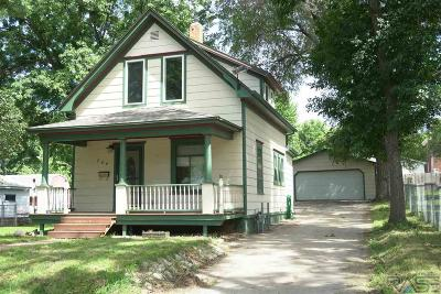 Sioux Falls Single Family Home For Sale: 704 N Van Eps Ave