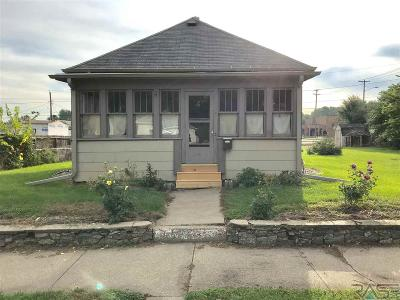 Sioux Falls Single Family Home For Sale: 808 N French Ave