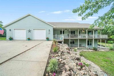 Dell Rapids Single Family Home For Sale: 513 N Hwy 77